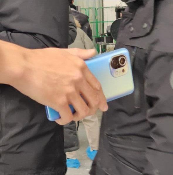 Шпионское фото Xiaomi Mi 11